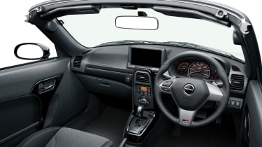 Daihatsu Copen GR Sport - interior