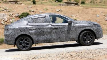 Renault Kadjar coupe-SUV - spyshot 5