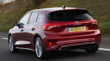 Ford Focus Vignale - rear tracking