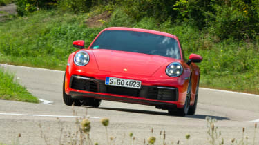 Porsche 911 Carrera - cornering