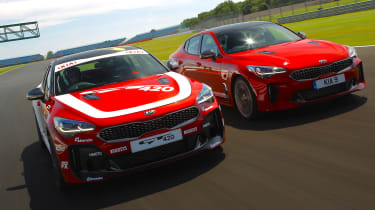 Kia Stinger GT420 - front tracking with Kia Stinger