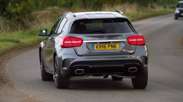Mercedes GLA - rear cornering