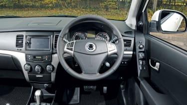 SsangYong Korando 2.0 Diesel dash