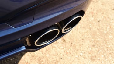 Alpina XD3 - exhausts