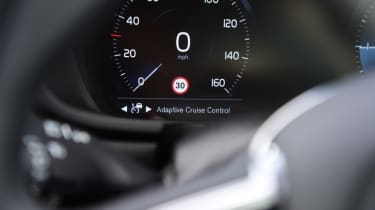 Volvo V90 Cross Country - dash
