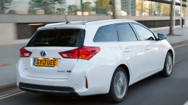 Toyota Auris Touring Sports rear tracking