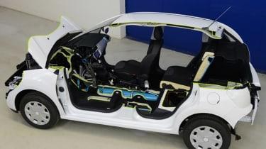 Peugeot Citroen Hybrid Air system
