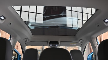 2020 Volkswagen Caddy - panoramic roof