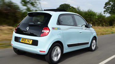 Renault Twingo The Colour Run - rear tracking