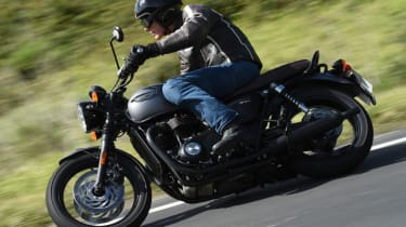 Triumph Bonneville T120 review - road cornering