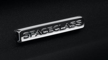 Renault Trafic SpaceClass van - badge