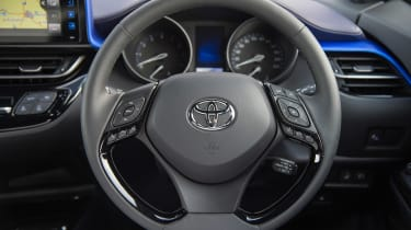 Toyota C-HR petrol - steering wheel