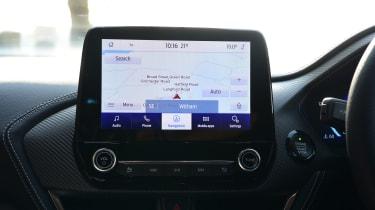 Ford Puma 1.0 Ecoboost ST Line Vignale screen