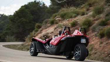 Polaris Slingshot - rear tracking