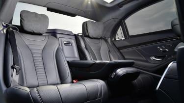 Mercedes S 560 e - rear seats