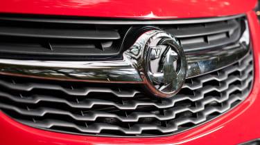Vauxhall Viva Rocks - grille