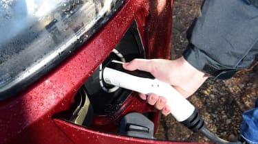 Ford Transit Custom PHEV - plug-in