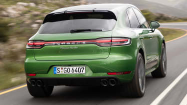 Porsche Macan Turbo - rear tracking