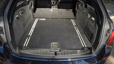 "<p class=""p1"">Bmw offers a 560 litre boot space with seats up and 1,670 litres with seats down.</p>"
