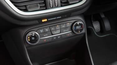 Ford Fiesta - centre console