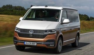 Volkswagen California T6.1 - front action