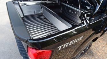 Nissan Navara Trek-1° 2017 load bay