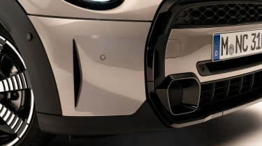 MINI 3-door hatch facelift - fog light