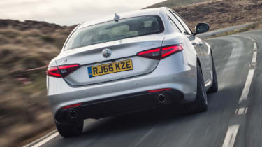 Alfa Romeo Giulia Super petrol 2017 - rear tracking