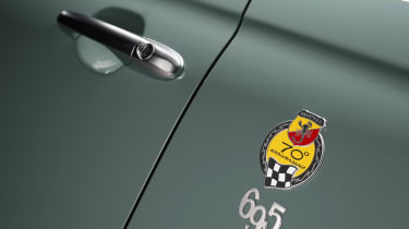 Abarth 695 70th Anniversario - 695 badge