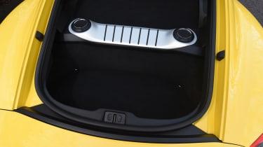 Porsche Cayman - boot