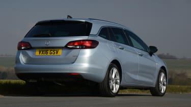 Vauxhall Astra Sports Tourer diesel 2016 - rear quarter