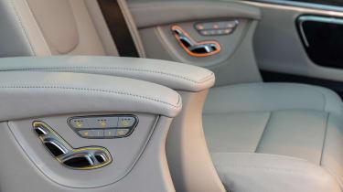 Mercedes V-Class - seat detail