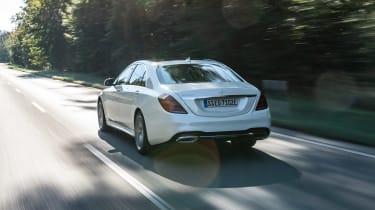 Mercedes S 560 e - rear action
