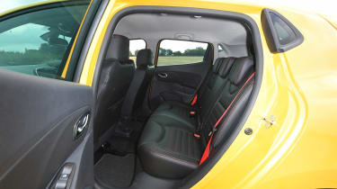 Renault Clio RS 220 Trophy - rear seats