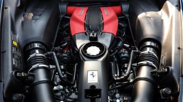 Ferrari F8 Tributo - engine