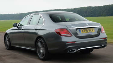 Mercedes E 350d 2016 - rear tracking