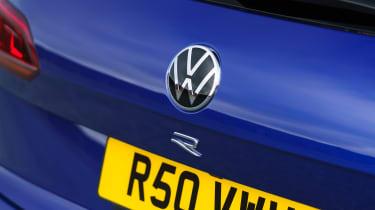 Volkswagen Touareg R - rear badge