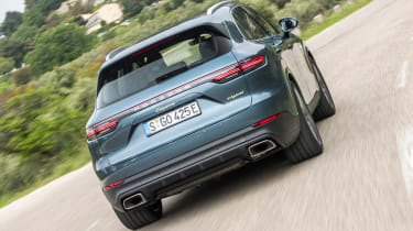 Porsche Cayenne E-Hybrid - rear action