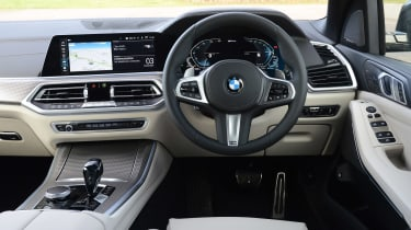 BMW X5 xDrive45e - dash