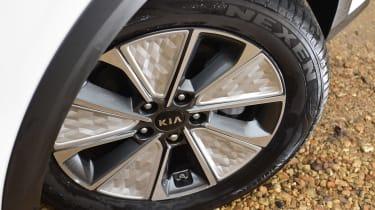 Kia Soul EV - wheel