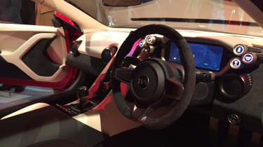 TVR Griffith reveal - dash