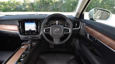 Volvo V90 2016 - interior