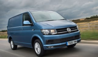 VW Transporter Highline front tracking