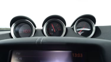 Nissan 370Z GT – gauges