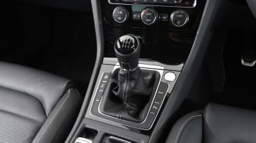 Volkswagen Golf - gear lever