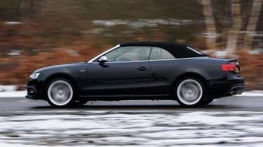 Audi S5 Cabriolet panning
