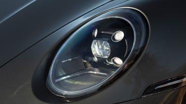 Porsche 911 Carrera - headlight