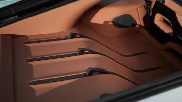 McLaren 570GT - parcel shelf detail