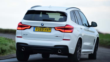 BMW X3 - rear cornering
