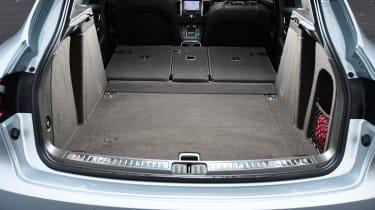 Porsche Macan S - boot seats down